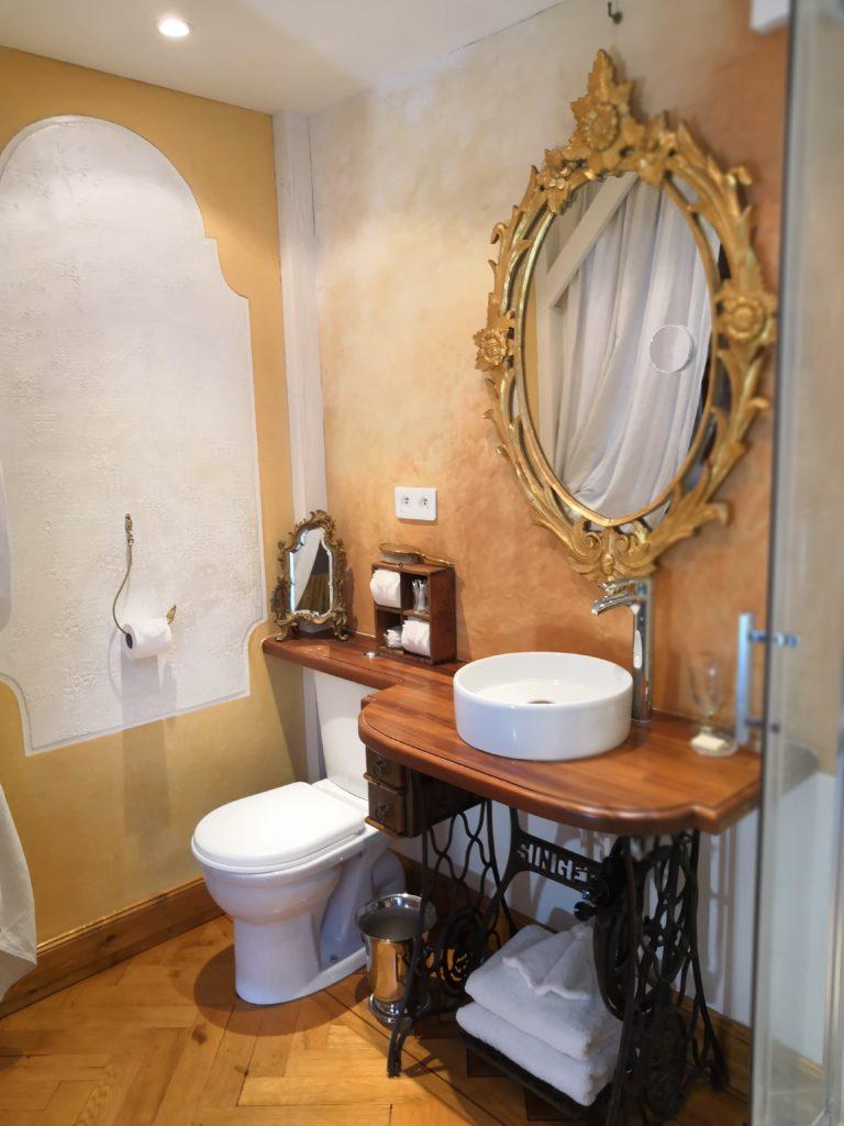 rachel piquemal chambre d'hotes colmar décoration Castelnau enduits chaux stuc 1900 rétro